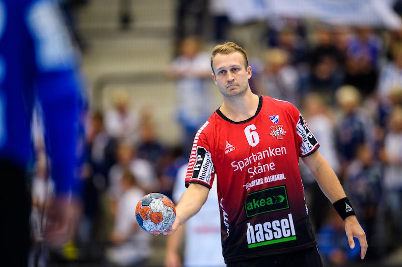 Ystads IF plockar över Christoffer Svensson